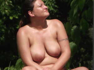 Busty-Nudists-%5Bx18%5D-v7eexvmiaa.jpg